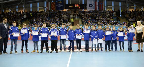 Jó tanuló, jó sportoló játékosainkat köszöntöttük!