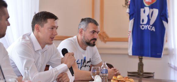 Bemutattuk Dmitrij Zsitnyikovot