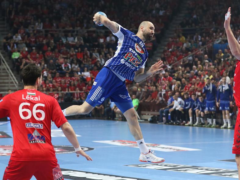 Bajnoki döntő: nagy különbségű vereség Veszprémben