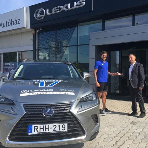 Bogdan Radivojevics is Lexusba ült