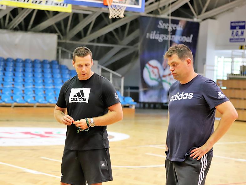 Két akadémiai edzőnk is a válogatott élén