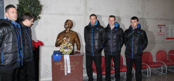 Megkoszorúztuk Fehér Miklós szobrát